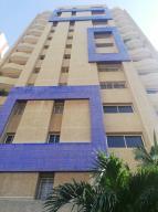 Apartamento En Alquileren Maracaibo, Avenida Bella Vista, Venezuela, VE RAH: 20-11217