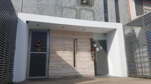 Casa En Ventaen Municipio San Francisco, San Francisco, Venezuela, VE RAH: 20-11234