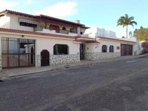 Casa En Ventaen Caracas, Los Naranjos Del Cafetal, Venezuela, VE RAH: 20-11253