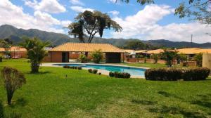 Casa En Ventaen Municipio San Diego, Valle De Oro, Venezuela, VE RAH: 20-11325