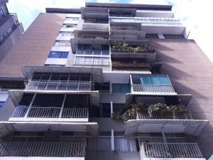 Apartamento En Ventaen Caracas, Los Palos Grandes, Venezuela, VE RAH: 20-11360