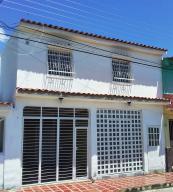 Casa En Ventaen Guacara, El Saman, Venezuela, VE RAH: 20-11398