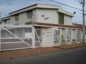 Townhouse En Alquileren Ciudad Ojeda, Campo Claro, Venezuela, VE RAH: 20-11459
