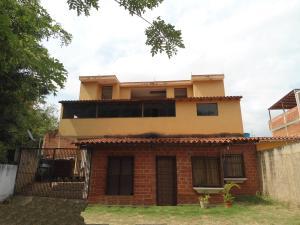Casa En Ventaen Turmero, Zona Centro, Venezuela, VE RAH: 20-11499