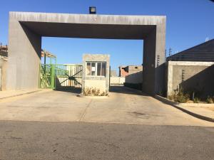 Townhouse En Ventaen Punto Fijo, Puerta Maraven, Venezuela, VE RAH: 20-11530