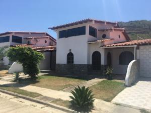 Casa En Ventaen Margarita, Maneiro, Venezuela, VE RAH: 20-11571