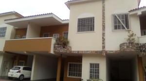 Townhouse En Ventaen Valencia, El Parral, Venezuela, VE RAH: 20-11529