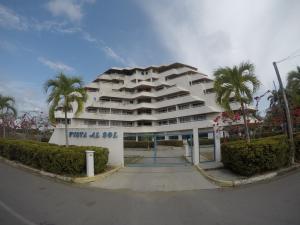 Apartamento En Ventaen Rio Chico, Los Canales De Rio Chico, Venezuela, VE RAH: 20-11536