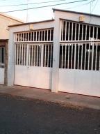 Casa En Ventaen Punto Fijo, Dona Emilia, Venezuela, VE RAH: 20-11533