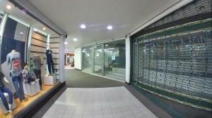 Local Comercial En Ventaen Valencia, Centro, Venezuela, VE RAH: 20-11539