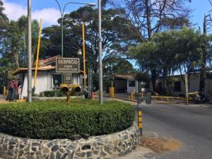 Terreno En Ventaen El Junquito-Vargas, El Junko Country Club, Venezuela, VE RAH: 20-11542