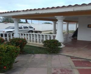 Casa En Ventaen Higuerote, Club Campestre El Paraiso, Venezuela, VE RAH: 20-11562