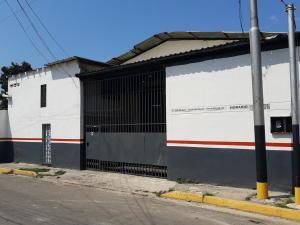 Galpon - Deposito En Alquileren Maracay, Santa Rita, Venezuela, VE RAH: 20-11575