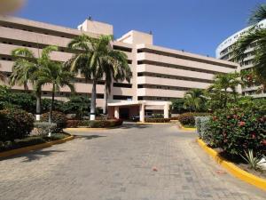 Apartamento En Ventaen Higuerote, Agua Sal, Venezuela, VE RAH: 20-11611