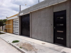 Casa En Ventaen Cagua, La Ciudadela, Venezuela, VE RAH: 20-11831