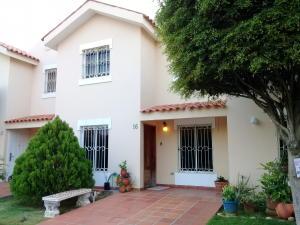 Townhouse En Alquileren Maracaibo, Canchancha, Venezuela, VE RAH: 20-11800