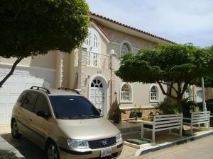Townhouse En Ventaen Maracaibo, El Milagro Norte, Venezuela, VE RAH: 20-11812