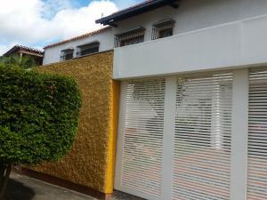 Casa En Ventaen Caracas, El Cafetal, Venezuela, VE RAH: 20-12113