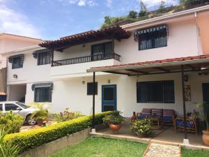 Casa En Ventaen Caracas, Santa Fe Norte, Venezuela, VE RAH: 20-12525