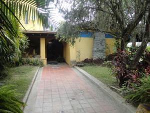 Casa En Ventaen Caracas, La Lagunita Country Club, Venezuela, VE RAH: 20-12227