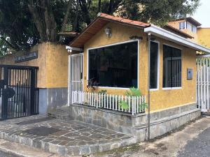 Casa En Ventaen Caracas, La Lagunita Country Club, Venezuela, VE RAH: 20-12314