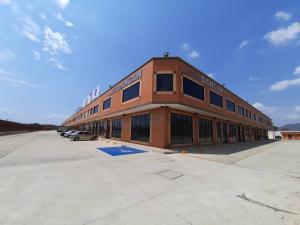 Local Comercial En Alquileren Municipio San Diego, Castillete, Venezuela, VE RAH: 20-12336