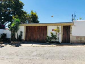 Casa En Ventaen Caracas, La Lagunita Country Club, Venezuela, VE RAH: 20-12315