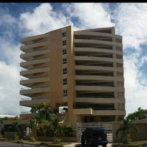 Apartamento En Ventaen Higuerote, Puerto Encantado, Venezuela, VE RAH: 20-12405