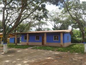 Casa En Ventaen Municipio Montalban, Aguirre, Venezuela, VE RAH: 20-12413