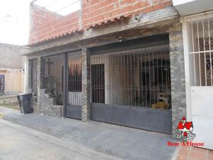 Casa En Ventaen Turmero, La Casona, Venezuela, VE RAH: 20-12425