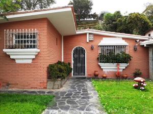 Casa En Ventaen Caracas, La Boyera, Venezuela, VE RAH: 20-12430