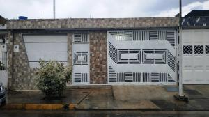 Casa En Ventaen Turmero, La Fuente, Venezuela, VE RAH: 20-12442