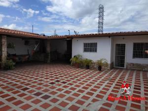 Casa En Ventaen Maracay, La Fontana, Venezuela, VE RAH: 20-12444