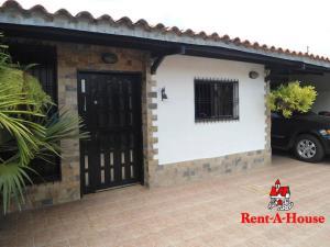 Casa En Ventaen Maracay, La Fontana, Venezuela, VE RAH: 20-12446