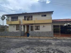 Casa En Ventaen Barquisimeto, Colinas De Santa Rosa, Venezuela, VE RAH: 20-12455