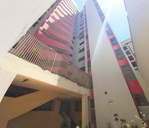 Apartamento En Ventaen Caracas, Parroquia La Candelaria, Venezuela, VE RAH: 20-12536