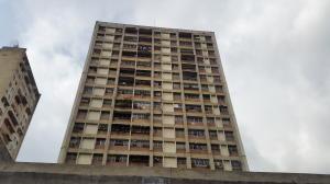 Apartamento En Ventaen Caracas, Parroquia Santa Rosalia, Venezuela, VE RAH: 20-12571
