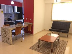 Apartamento En Alquileren Maracaibo, Avenida Bella Vista, Venezuela, VE RAH: 20-12587