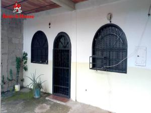 Casa En Ventaen Municipio Linares Alcantara, La Morita Ii, Venezuela, VE RAH: 20-12642