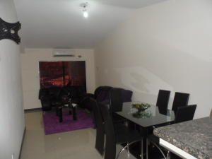 Casa En Ventaen Palo Negro, San Antonio, Venezuela, VE RAH: 20-12675