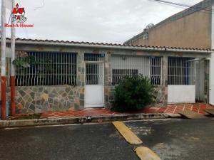 Casa En Ventaen Maracay, El Limon, Venezuela, VE RAH: 20-12680