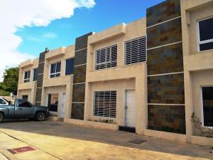 Townhouse En Ventaen Cabimas, Ambrosio, Venezuela, VE RAH: 20-12709