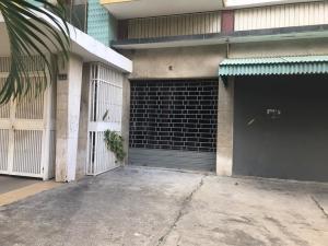 Local Comercial En Ventaen Caracas, Las Palmas, Venezuela, VE RAH: 20-12772