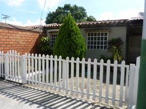Casa En Ventaen Turmero, Zona Centro, Venezuela, VE RAH: 20-12780
