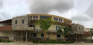 Apartamento En Ventaen Chichiriviche, Flamingo, Venezuela, VE RAH: 20-12799