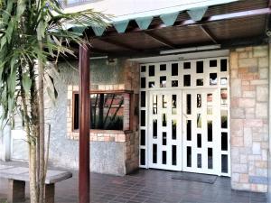 Apartamento En Ventaen La Victoria, El Recreo, Venezuela, VE RAH: 20-12852