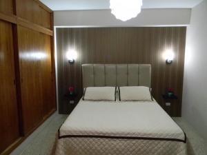 Apartamento En Ventaen Maracaibo, La Lago, Venezuela, VE RAH: 20-12865