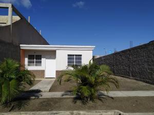 Casa En Ventaen Cagua, La Ciudadela, Venezuela, VE RAH: 20-12869