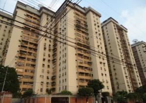 Apartamento En Ventaen Maracay, Urbanizacion El Centro, Venezuela, VE RAH: 20-12888