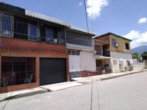 Casa En Ventaen Maracay, La Coromoto, Venezuela, VE RAH: 20-12894